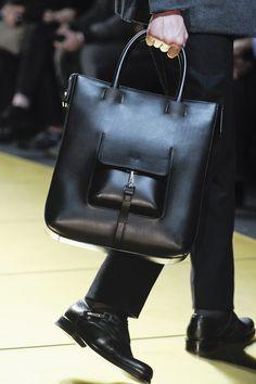 Ermenegildo Zegna Fall 2013 Menswear Fashion Show Leather Purses, Leather Handbags, Leather Bags, Fashion Bags, Mens Fashion, Leather Accessories, Leather Working, Luggage Bags, Tote Bag