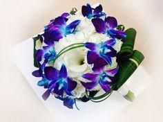 Fleurs naturelles Bouquets, Floral Wreath, Creations, Wreaths, Decor, Wedding Bouquet, Flower Crowns, Bouquet, Door Wreaths