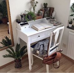 Desk and colours are ultimate goals