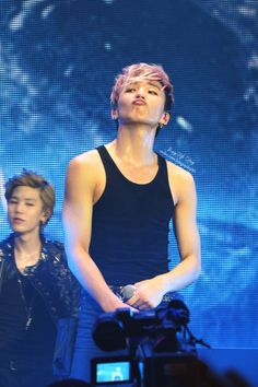 Zelo and Jongup - Jongup what are you doing with your face and Zelo. not going to ask. Jongup Bap, Youngjae, Jung Daehyun, Perfect Boy, Korean Men, Btob, Attractive Men, Vixx, No One Loves Me