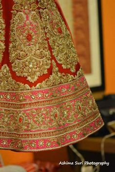 Delhi weddings | Ashish & Neha wedding story | Wed Me Good #lehenga #redandpink #wedmegood