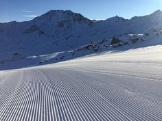 By val_thorens: En direct du télésiège de Boismint pour la première montée de la journée !  A venir : live de la 1ère piste de la journée sur Periscope : http://ift.tt/1R6Ms1O  Live from Boismint chairlift: the first ascent of the day!  Coming soon: The first ski run of the day on Periscope: http://ift.tt/1R6Ms1O #landscape #contratahotel