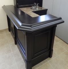 Exceptionnel Custom Basement Bar With Sink And Upper Unit