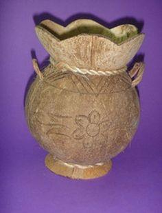 Unique crafts vase handmade natural coconut carving vase Leaf Crafts, Diy And Crafts, Arts And Crafts, Coconut Shell Crafts, Coconut Bowl, Photo On Wood, Shell Art, Gourd Art, Shell Pendant