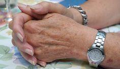 A artrite é uma condição extremamente dolorosa que afeta centenas de milhões no mundo todo. Conheça seus sintomas e tratamentos caseiros aqui!