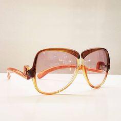"""118 Beğenme, 1 Yorum - Instagram'da GÖZLÜK GURUSU ™ (@gozlukgurusu): """"Kişisel vintage gözlük koleksiyonumdan bir YSL. #AngelinaJolieStyle A #vintage #YSL from my…"""""""