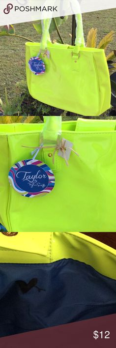 💃NWT Taylor Swift Big Bright Lime Green Bag 👍💃 💃NWT Big Bright Lime Green Plastic Material Fun Bag 👍💃Great For Travel or Anytime 👍💃Brand New Condition You can See by Lining Never Used but Someone drew Heart ❤️ with magic Marker on inside does not effect outside of Bag Measures 15 inches wide by 11 inches Long Blue Lining in Perfect Condition 💃👍I Live in Smoke Free Home 💃Please Check my Closet for more Fun Listings 💃Happy Holidays 💃 Taylor Swift Bags Satchels