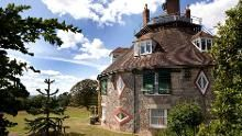 Have a wander around the garden to get a better view of this magical house© Colin Searle