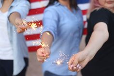 July 4th Sparkler Safety | Lots of us give our kids sparklers (and other novelty fireworks) as we take part in Independence Day celebrations, which can be fun—if you follow the rules.