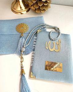 Quran Wallpaper, Islamic Wallpaper, Heart Wallpaper, Blue Mosque Istanbul, Happy Ramadan Mubarak, Quran Karim, Engagement Favors, Quran Book, Islamic Paintings