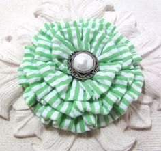 Green and White SEERSUCKER. Flower Brooch and Hair Clip. Pin