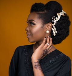 You Can Rock Your Nappy Hair On Your Wedding Like These Natural Hair Brides Natural Hair Wedding, Wedding Hair And Makeup, Hair Makeup, Natural Hair Brides, Protective Hairstyles, Afro Hairstyles, Bride Hairstyles, Black Hairstyles, Celebrity Hairstyles