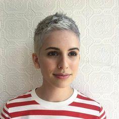 We Love The Pixie Haircut! Ontdek hier 10 zeer korte Pixie looks met een boyish tintje. - Kapsels voor haar