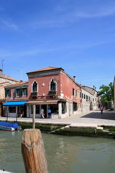Venice, scenes from Murano@wE ALWAYS LIKE HIM, TO TAKE HER OUT IN THE WATER LIKE THAT !@Ponterst..has my love of life. living on my minds dreams..