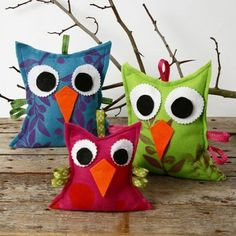 Felt Owls with a Print - Creative ideas Felt Crafts, Diy And Crafts, Crafts For Kids, Arts And Crafts, Fleece Projects, Sewing Projects, Textiles, Japan Crafts, Felt Owls