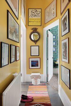 World Of Interiors, Hallway Colours, Yellow Hallway, Hall Colour, Townhouse Interior, Hallway Designs, Hallway Decorating, Mid Century House, Cheap Home Decor