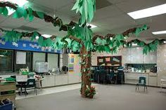 """It's a jungle in here"" - Check out these creative ways to make your new classroom into a jungle! Kids will love it, and it is grade as a showcase for Open House. Integrate Math, Language Arts, Science and Social Studies with these Jungle ideas. Rainforest Classroom, Jungle Theme Classroom, Rainforest Theme, New Classroom, Classroom Displays, Classroom Themes, Brazil Rainforest, Rainforest Crafts, Rainforest Activities"