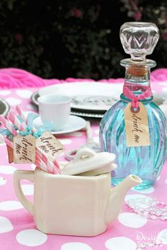 Vintage Glam Wonderland party with DIY tips, tutorials and repurposing ideas. Party designed by Toni Roberts - Design Dazzle