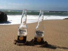 Beach, drink= relaxe! Beach Drinks, Corona Beer, Beer Bottle, Cocktails, Relax, Pictures, Photos, Cocktail, Keep Calm