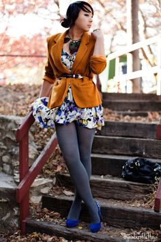 Again an autumn-themed outfit. Maybe a bit warm for Texas, but for November it could work.