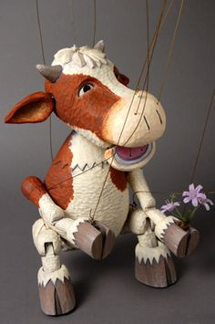 Cute cow marionette from http://www.puppet-house.co.jp/