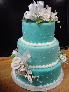 Please don't miss these sassy turquoise wedding ideas. And use code Pin60 for 10% off wedding items at www.CreativeWeddingStyle.com