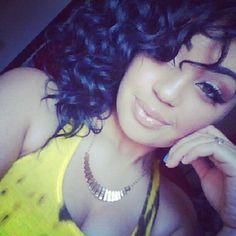 Pretty makeup, curly hair