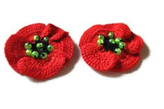 Crochet Poppies Flower Applique set of 2. Flowers for Craft and Art.Crochet Decoration. Set of 2 flowers. green. red. cotton