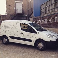 Pimping my ride with vinyls designed by @marineduroselle - the van is DONE! #thebreadcompanion #pimpmyride #foodvan