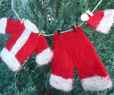 DIY: santa's laundry line ornament or garland for tree or wreath or package