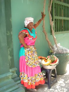 Una Palenquera, Fruit vendor/ColOmbia Latin America, South America, Beautiful World, Beautiful Images, Half The Sky, Argentine, Working People, Color Shapes, Cousins