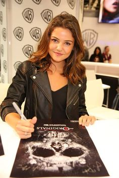 Danielle Campbell at Comic-Con Signing 2015 Danielle Campbell The Originals, Dani Campbell, Cw The Originals, Danielle Campell, Davina Claire, Celebs, Celebrities, Famous Women, Woman Crush