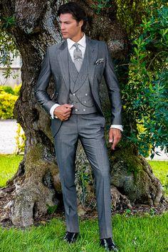 Sharkskin gray peak lapel wedding suit #grey #tuxedo #luxury #menswear #formalwear #wedding #prom #madeinitaly