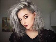 Resultado de imagem para pessoas bonitas de cabelo branco