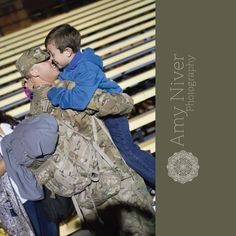 A boy got his daddy back #FortHood #Homecoming #HomecmoingPhotography #CentralTexas