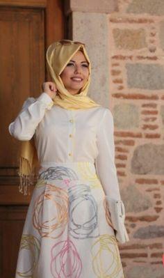 Annahar Yellow Shirt  Price 35 Dolars Whatsapp 05533302701 #modaufku #modaufkuhijab #tesettür #hijab #hijabfashion #islamic #hijabi #hijaber #dress #abaya #elbise #abiye #pudra #annahar #pınarsems #gamzepolat