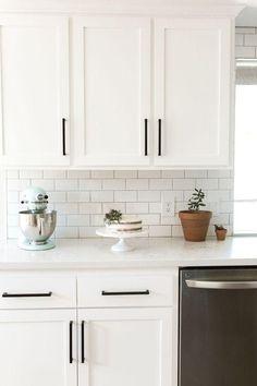 All White Kitchen, Country Kitchen, Diy Kitchen, Kitchen Decor, Kitchen Ideas, White Kitchen Designs, Slate Kitchen, Country Farmhouse, Kitchen Sink