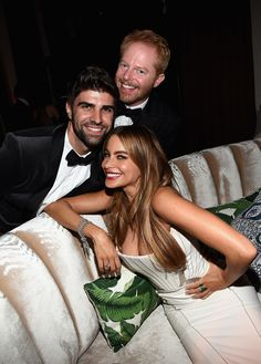 The Year's Best Award Show Snaps - Sofia Vergara and Jesse Tyler Ferguson smiled big with Jesse's husband, Justin Mikita, at the Fox Emmys afterparty - Modern Family - red carpet