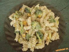 Cestovinový šalát s brokolicou