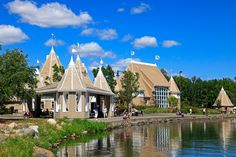 See a movie/concert at the Lake Harriet Bandshell