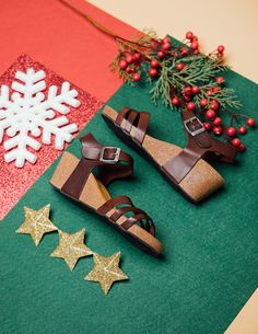 Cork Sandals, Online Collections, Gift Wrapping, Gifts, Gift Wrapping Paper, Presents, Wrapping Gifts, Favors, Gift Packaging