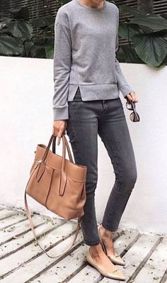 Classy work outfit ideas for sophisticated women 11 casual chic outfits, casual chic fashion, Classy Work Outfits, Work Casual, Casual Outfits, Fall Outfits, Jeans Outfit For Work, Grey Jeans Outfit, Casual Fridays, Summer Outfits, Grey Pants