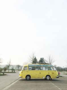 #camper #bus #yellow