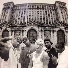 2016/07/13 00:03:32  jayboomb  Fuck yo wife! Fuck yo kids! Fuck yo family! Ill shit on you! #D12 #devilsnight #shitonyou #classic #shit #my #goldenera #of #hiphop #Detroit #what #slimshady #proof #bizarre #mrporter #kuniva #swifty
