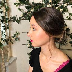 Recogido informal precioso realizado por nuestro estilista Jairo Salas con un make up de Tania. #andressasantana #makeup #maquillaje #recogido