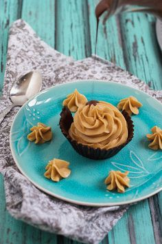 Dark Chocolate Peanut Butter Mousse Cups (Is the ultimate grown up peanut butter cup! Make this for all the peanut butter and chocolate lovers in your life!) (Dark Chocolate, Cream Peanut Butter, Cream Cheese, Powdered Sugar, Salt & Heavy Cream)  l  Girl in the Little Red Kitchen
