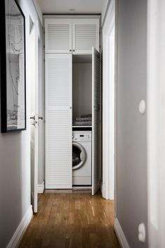 Outdoor Laundry Rooms, Small Laundry Rooms, Small Bathroom, Bathroom Laundry, Modern Home Interior Design, Bathroom Design Luxury, Bathroom Interior, Small Balcony Design, Laundry Room Wall Decor
