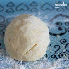 Placinta cu mere si aluat fraged/ Apple pie with tender homemade crust - Madeline's Cuisine Quince Pie, Apple Pie, Sour Cream, Yogurt, Smoothie, Lemon, Bread, Homemade, Cooking