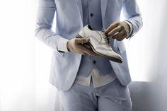 Terno do noivo | Noivo | Groom | Traje do noivo | Roupa do noivo | Dia do noivo | Making of do noivo | Groom's suit | Suit and tie | Terno | Inesquecível Casamento | Sapato do noivo