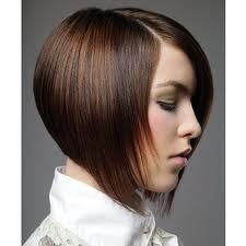 Sexy Medium Layered Haircuts 2012 - Restore the soft and glossy texture of your hair with a revitalizing new crop. These sexy medium layered haircuts serve as A-list options to give your locks a dose of urbane glamor. Chinese Bob Hairstyles, Inverted Bob Hairstyles, Short Hairstyles For Women, 2015 Hairstyles, Straight Hairstyles, Cool Hairstyles, Bob Haircuts, Celebrity Haircuts, Textured Hairstyles